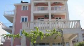 Villa Stil, Okrug Gornji