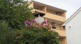 Apartmani Bartulić, Okrug Gornji