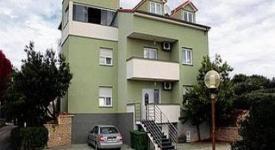 Villa Batur, Petrčane