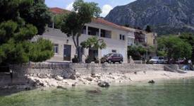 Villa Labineca, Gradac